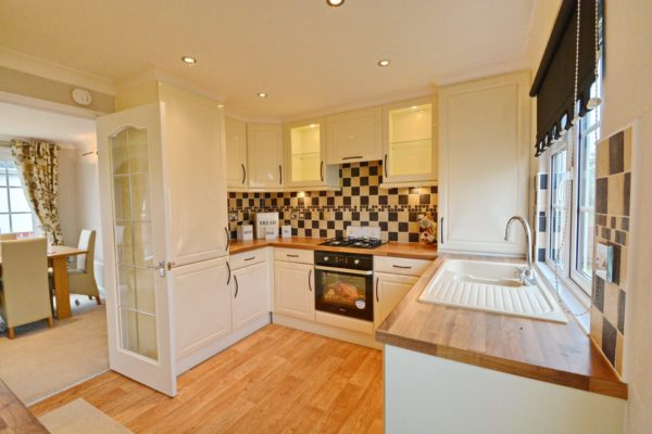 Seaview example kitchen